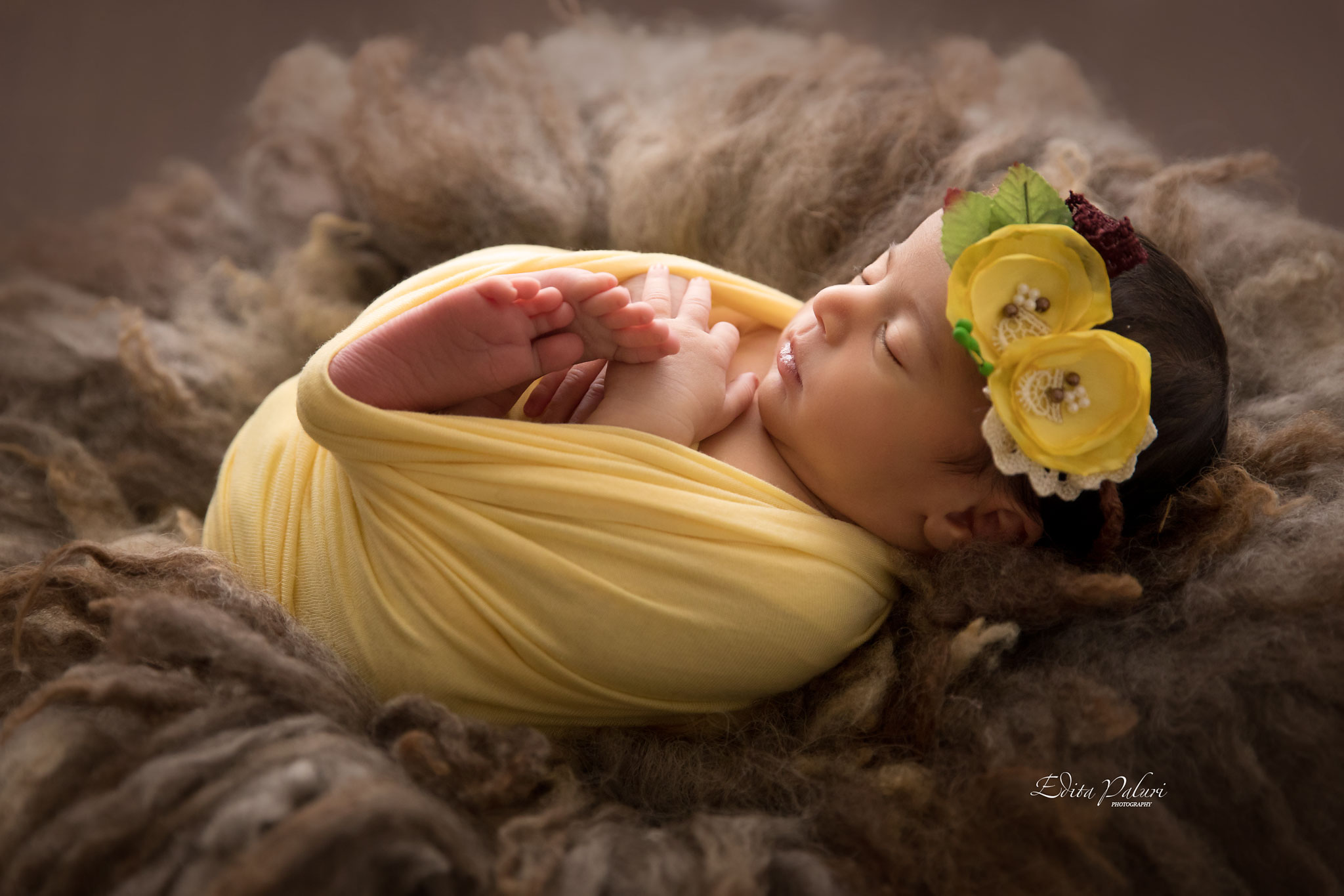 Professional Newborn photographer in Pune, India